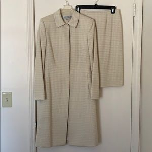 Tahari Arthur S Levine Off-white & Tan Suit